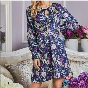 👗 HOST PICK 👗SUZANNE BETRO FLORAL DRESS/ hanging